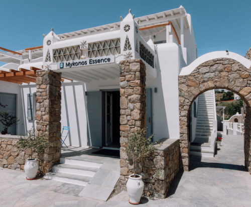 Welcome to the 4 star boutique hotel, Mykonos Essence in Ornos Bay in Mykonos.
